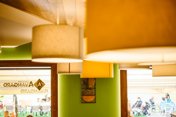 AVANTGARD Cafe bar Novoj Gradišci Igor Hlišić (dizajner interijera) FORMLAB